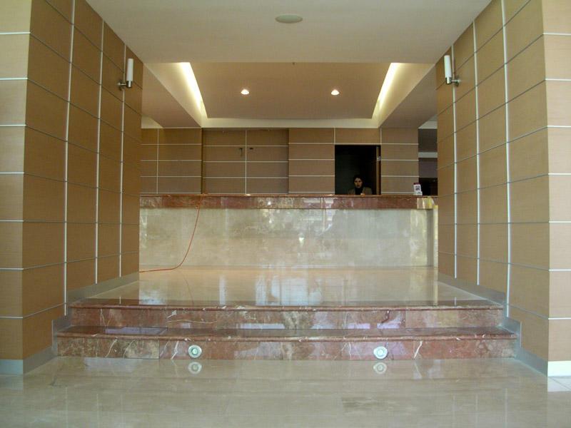 Marmol para pisos muros escaleras y fachadas en tijuana for Pisos para escaleras