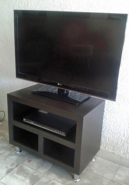 Mueble para tv espacios peque os for Muebles para recibidores pequenos